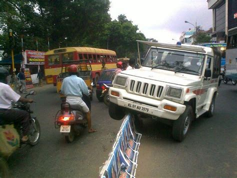 police jeep kerala 27 very funny accident pictures