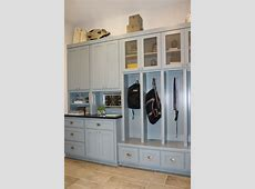 Mud Room 01 Burrows Cabinets central Texas builder