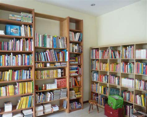 Libreria Dell Usato by Prato La Nuova Libreria Emmaus Apre I Battenti Pratosfera