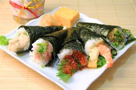 Small Outdoor Kitchen Design Ideas - how to easily throw the best temaki hand rolled sushi