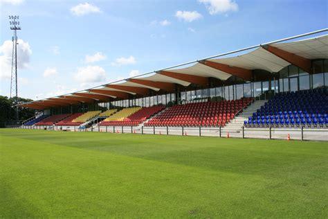gemeente velsen eigenaar westtribune telstar stadion