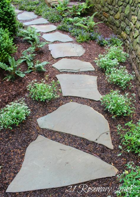 flagstone paver walkway best 25 slate walkway ideas on pinterest stone walkway slate pavers and front yard walkway