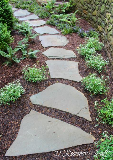 flagstone paths best 25 slate walkway ideas on pinterest stone walkway slate pavers and front yard walkway