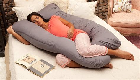 best pregnancy pillow 10 best pregnancy and maternity pillows 2018