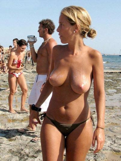 Busty Beach Candid Nude Free Xxx Images