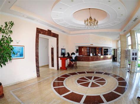 Denizkizi Royal Hotel, Kyrenia, North Cyprus Book. Park Hyatt Saigon Hotel. The Fern Ahmedabad Hotel. Hotel Convento San Diego. Scandic Nykoping City Hotel. De Vere Hotel Slaley Hall. Suites Batia Hotel. Les Jardins De La Molignee Hotel. Posadas De Granadilla Hotel