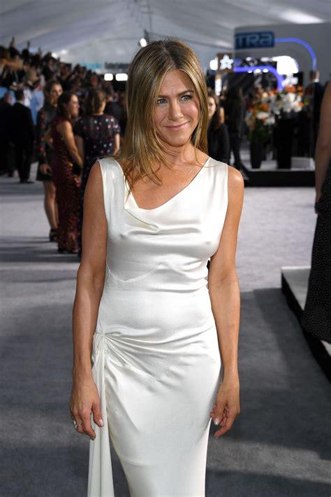 Jennifer Aniston Tempting Hot Braless Photos Photos Free