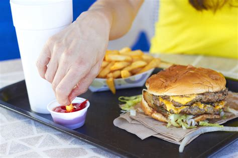 Fast Food Consumption Linked With More Toxic Chemicals