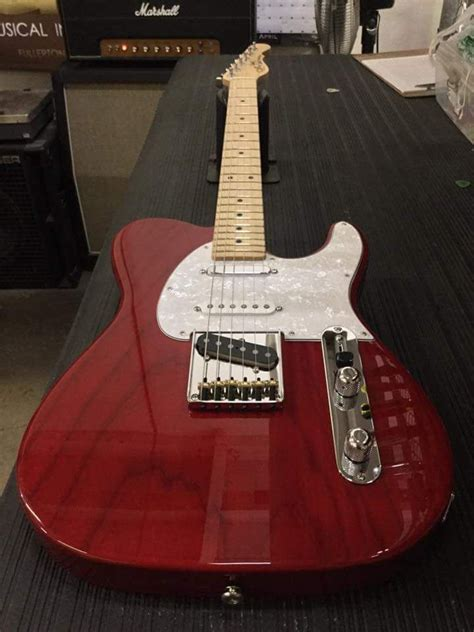 gl asat classic  alnico  clear red  swamp ash rear