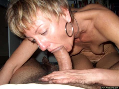 Wifebucket Fit Milf Gives Juicy Blowjobs
