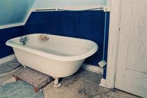Badewanne Neu Beschichten : steinwand im bad so schaffen sie eine schicke steinoptik ~ Watch28wear.com Haus und Dekorationen