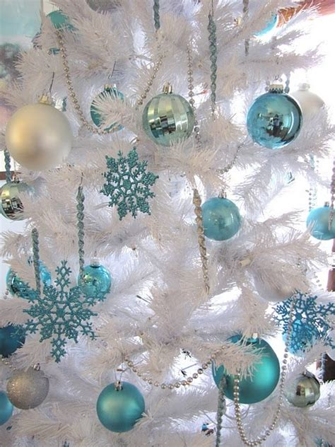 aqua blue christmas lights how to use snowflakes in winter décor 36 ideas digsdigs