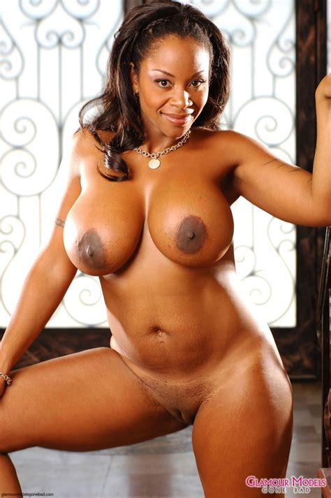 Completely Naked Juicy Black Woman Casey Kitten Shows Off