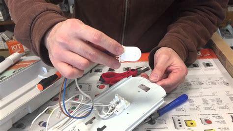 come sostituire un vecchio neon con uno nuovo a led pillola n 29 di materiale elettrico youtube