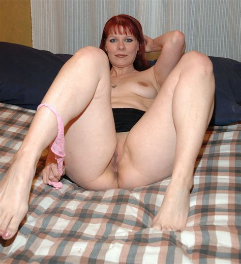 redhead milf display her tight muff and round boobs porn tv