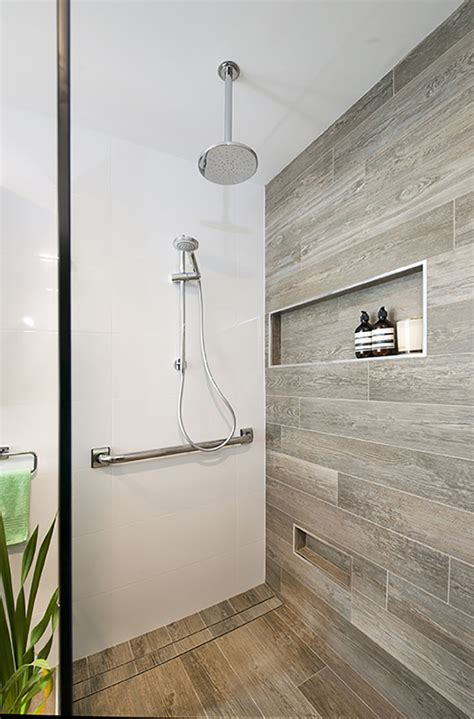 Bathroom Feature Tile by Bathrooms S Tiles