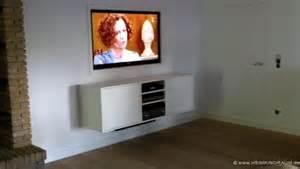 Tv Verstecken fernseher aufhängen kabel verstecken fernseher wandmontage so