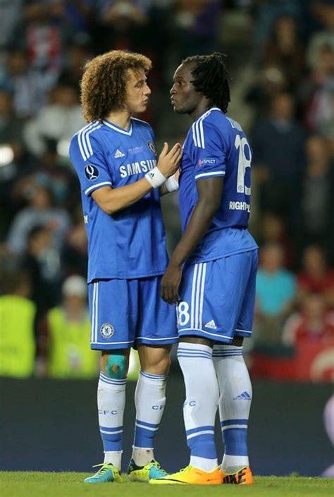 Pare che l'attaccante rossonero abbia insultato big rom. #David Luiz #Romelu Lukaku #Chelsea