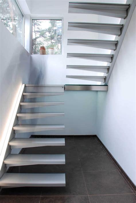 Escalier Suspendu 2 Quarts Tournant