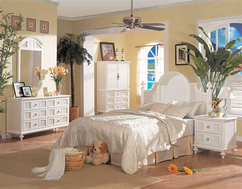B700 Aruba White Wicker Rattan 4 Pc Bedroom Set From
