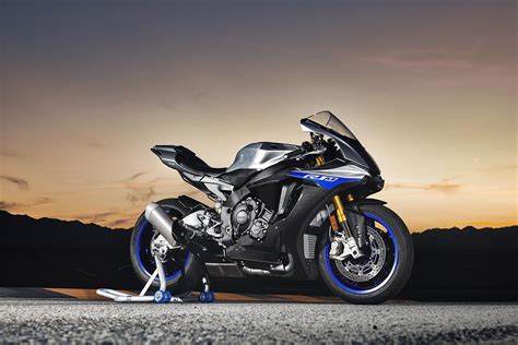 Review Yamaha R1m by Yamaha R1m 2018 On Review