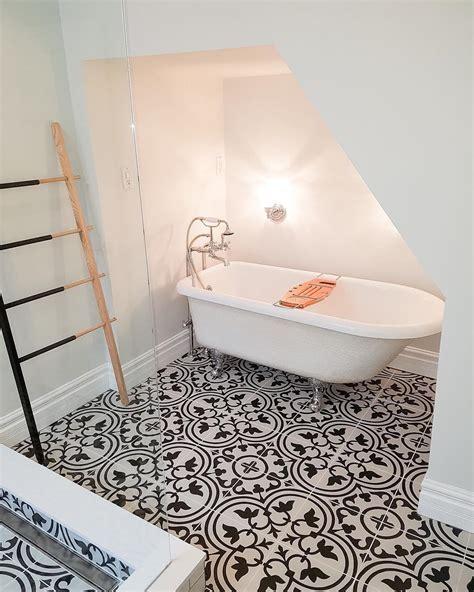 model keramik lantai kamar mandi minimalis terbaru  dekor rumah