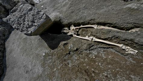 skeleton   pompeii dubbed worlds unluckiest man