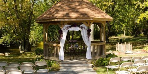 hub  cedar creek weddings  prices  wedding