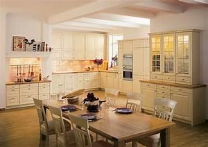 Küchen In Holzoptik : landhausk chen k chenbilder in der k chengalerie seite 4 ~ Markanthonyermac.com Haus und Dekorationen