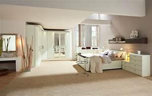 Schlafzimmer mit durchbrochener decke for Schlafzimmer decke
