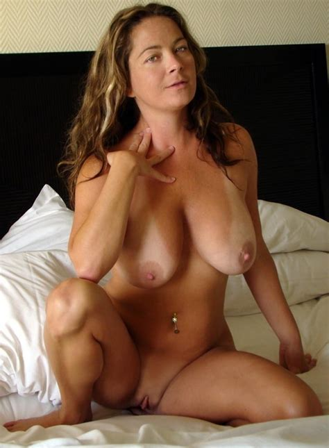 Natural MILF With Tan Lines... Porn Photo - EPORNER