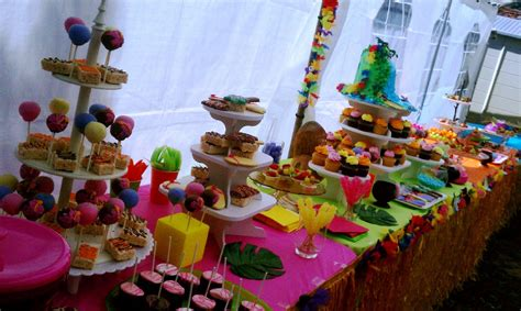 pin hawaiian theme wedding on tropical themed party cake
