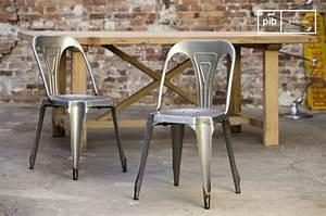 Chaise Metal Tolix : chaise tolix le design du style industriel ~ Teatrodelosmanantiales.com Idées de Décoration