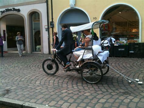 kutschen oldtimer limousinen rikschas und fahrzeuge