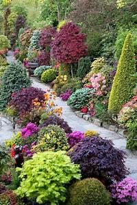 baume straucher garten landschaft farben ideen gartenweg With garten planen mit balkon beet
