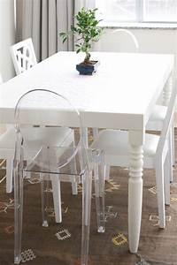 chaise kartell et lampe kartell pour une deco moderne With meuble salle À manger avec chaises salle À manger transparentes