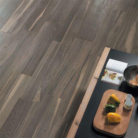 piastrelle in gres pavimenti gres porcellanato effetto legno marmo pietra