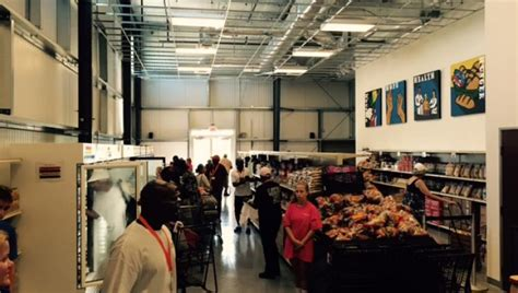 dallas food pantry tra marketplace yields more than 13 000 lbs of donated