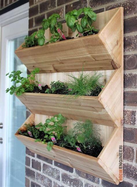 cedar wall planter  diy plans diy cedar walls vertical garden diy wood planters