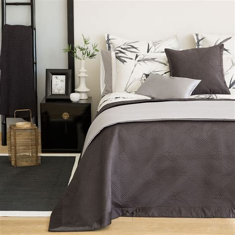 Zara Home Copriletti by Zara Home La Collezione Di Biancheria Per La Casa In Saldo