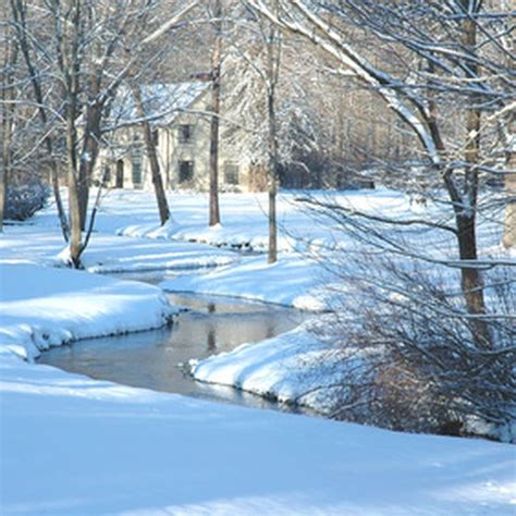 family places to vacation in michigan during the winter