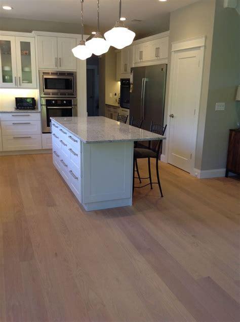 Light Colored Oak Wide Board Floors   Kitchen with Red Oak