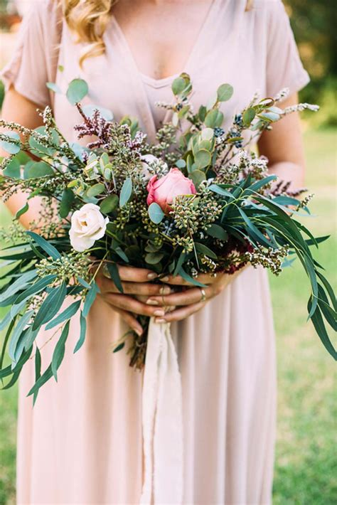 organic natural bouquets exquisite weddings