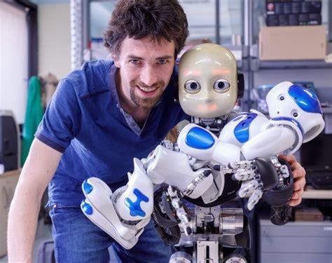 robots conscientes de su propia presencia hellocanariases