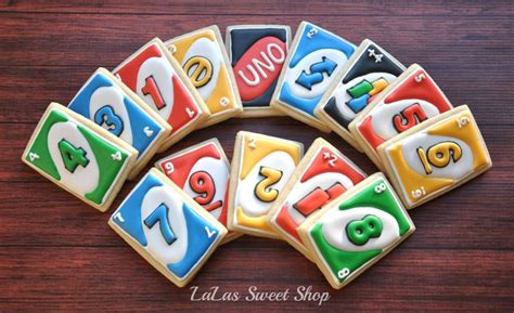 images  uno card cake  party ideas  pinterest