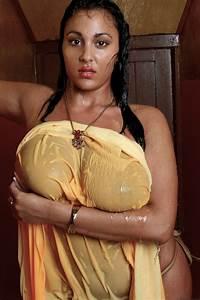 Hot mom henddy cam indiyan bbw