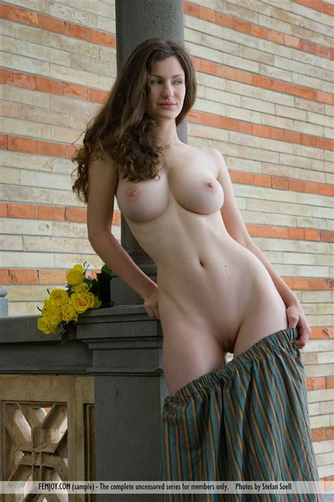 Sexy Nude Busty Girl Tits Busty Girls Db