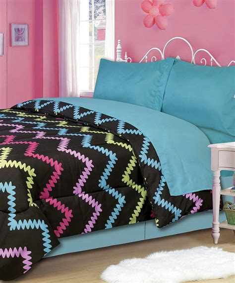 cute bedding set    girls room