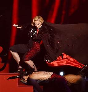 O2online De Go To Rechnung : memes and jokes flood twitter after madonna falls at the brits daily mail online ~ Themetempest.com Abrechnung