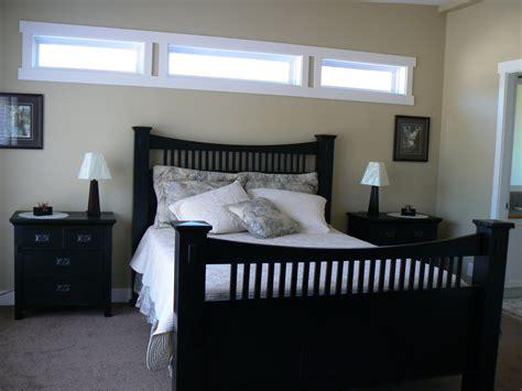 Bedroom Vs Window by Exle Of Transom Window In Bedroom Home Remodeling